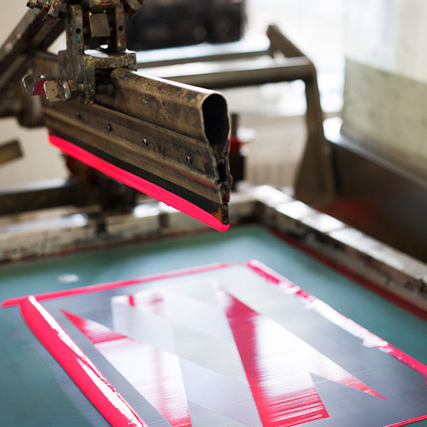 Den serigrafiska tryckprocessen